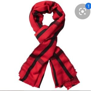 Athleta Large Soft and Cozy Scarf. ❤️🖤